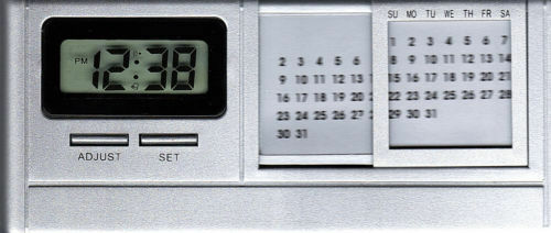 Battery Operated Desk Clock    Alarm    Time Month Date With