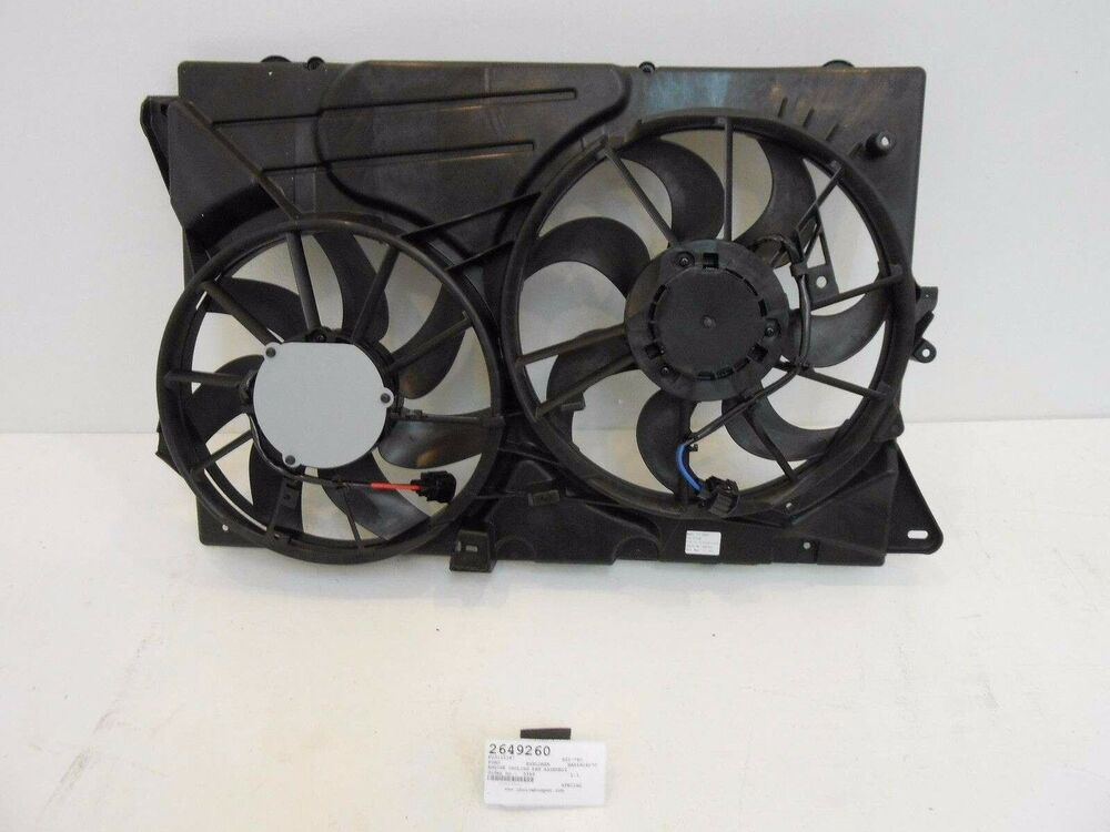 Ac Fan Motor >> Radiator and Condenser Fan Assembly For 2011-2012 Ford ...