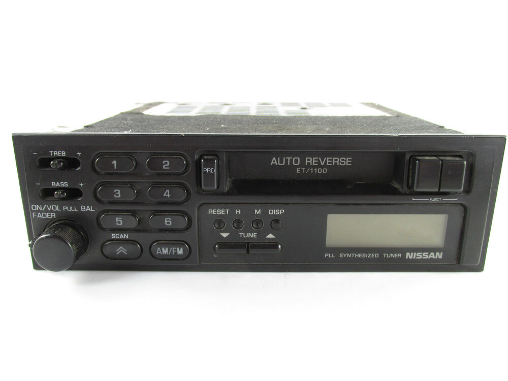 Clarion Car Stereo: Clarion NISSAN PLL Synthesized Tuner Tape Player Deck Car