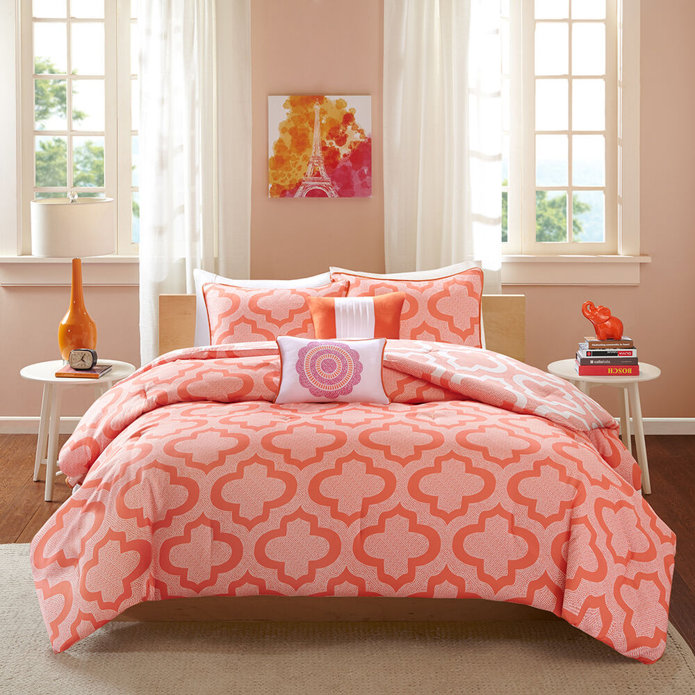 Beautiful modern chic reversible coral white geometric for Pictures of comforters