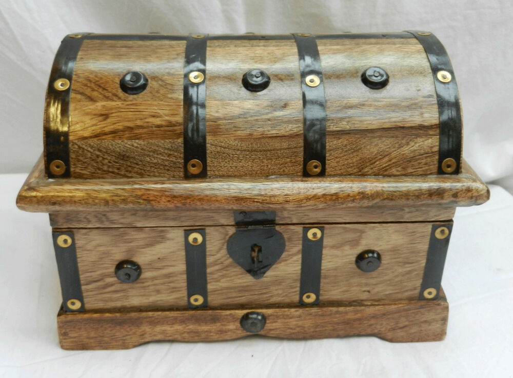 Large metal bound wooden cabin trunk pirate treasure for Storage treasures