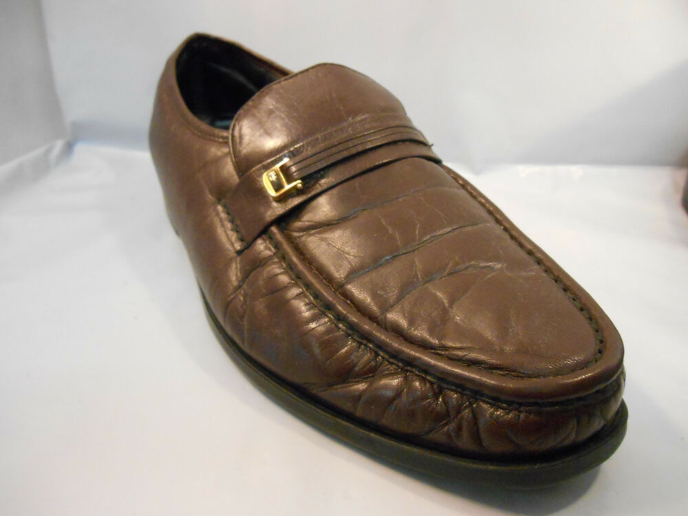 Warson Group, Inc. are leaders in safety shoe design specializing in Occupational, Duty Uniform and Soft toe work shoes.