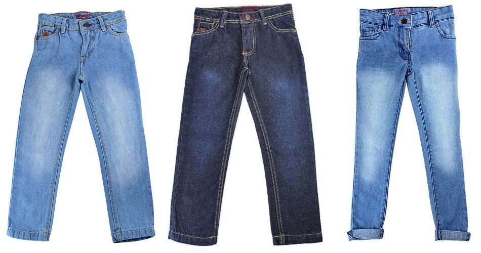 Boys Jeans Sizing Charts. Boys' sizes start at 4. Anything below 4 is meant for toddlers 4 years old and younger. Generally, the numerical size corresponds to the age of the boy. For example, a 6-year-old boy would probably wear a size 6 or a size close to that.