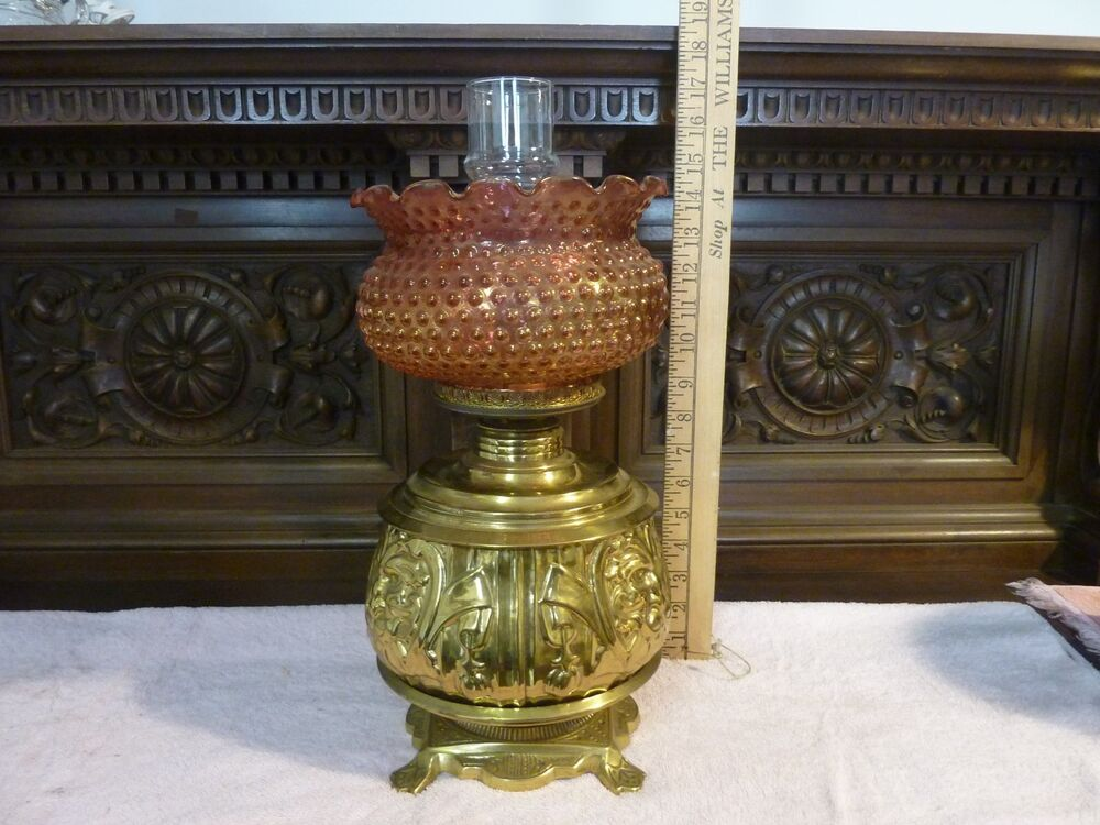 antique brass oil lamp with opalescent pink and gold hobnail glass shade ebay. Black Bedroom Furniture Sets. Home Design Ideas