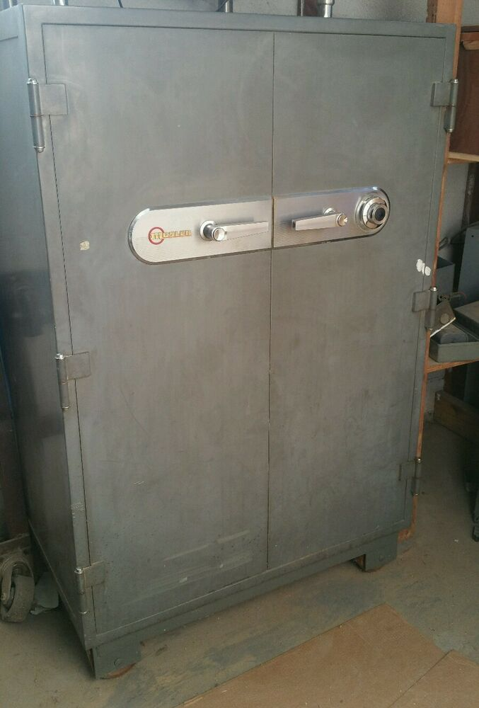 Vintage Large Mosler Double Door Combination Safe Euc 39 5