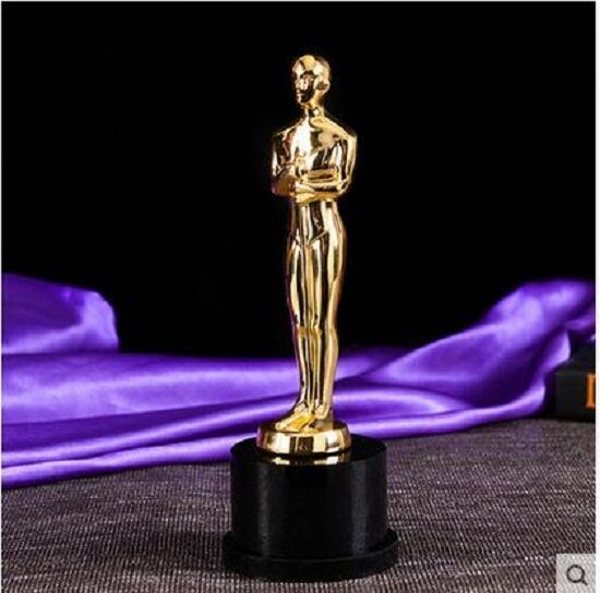 Kathy Griffin S Emmy Breaks Plus Other Award Winners Whose Trophies Suffered Damage in addition Red Carpet Party additionally Academy Award Oscar Replica Trophy moreover How To Host An Oscar Party Ideas Printables together with 6sdue4x6rv7u6a6. on oscar trophies for parties