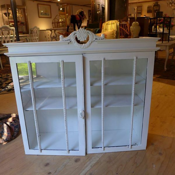 Antique beach home style upper level glass door cabinet for Homestyle kitchen doors