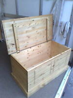 HANDMADE ANTIQUE WAXED SOLID PINE BLANKET/OTTOMAN/TOY BOX NO FLATPACKS