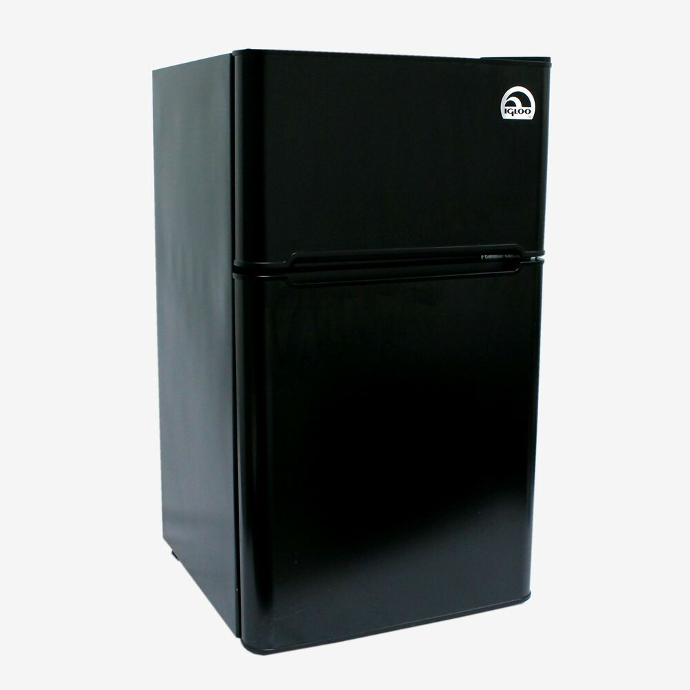 igloo 3 2 cu ft 2 door mini refrigerator freezer fr832. Black Bedroom Furniture Sets. Home Design Ideas