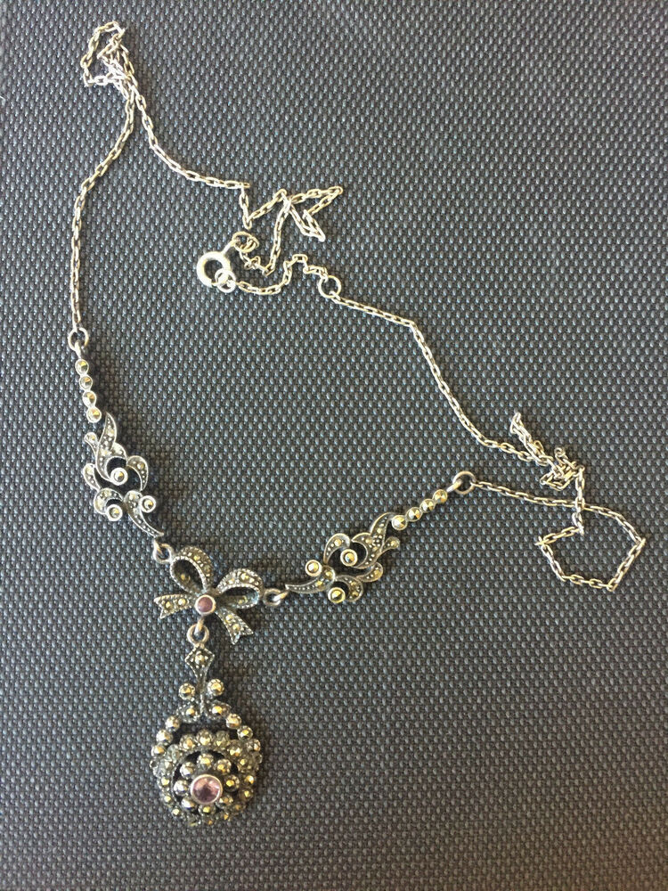 A0796 a vintage style necklace with bows and basket centrepiece set