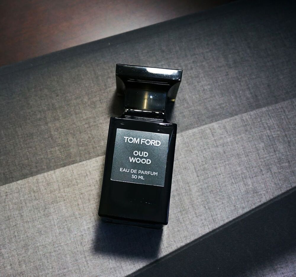 tom ford oud wood for women and men perfume decant sample. Black Bedroom Furniture Sets. Home Design Ideas