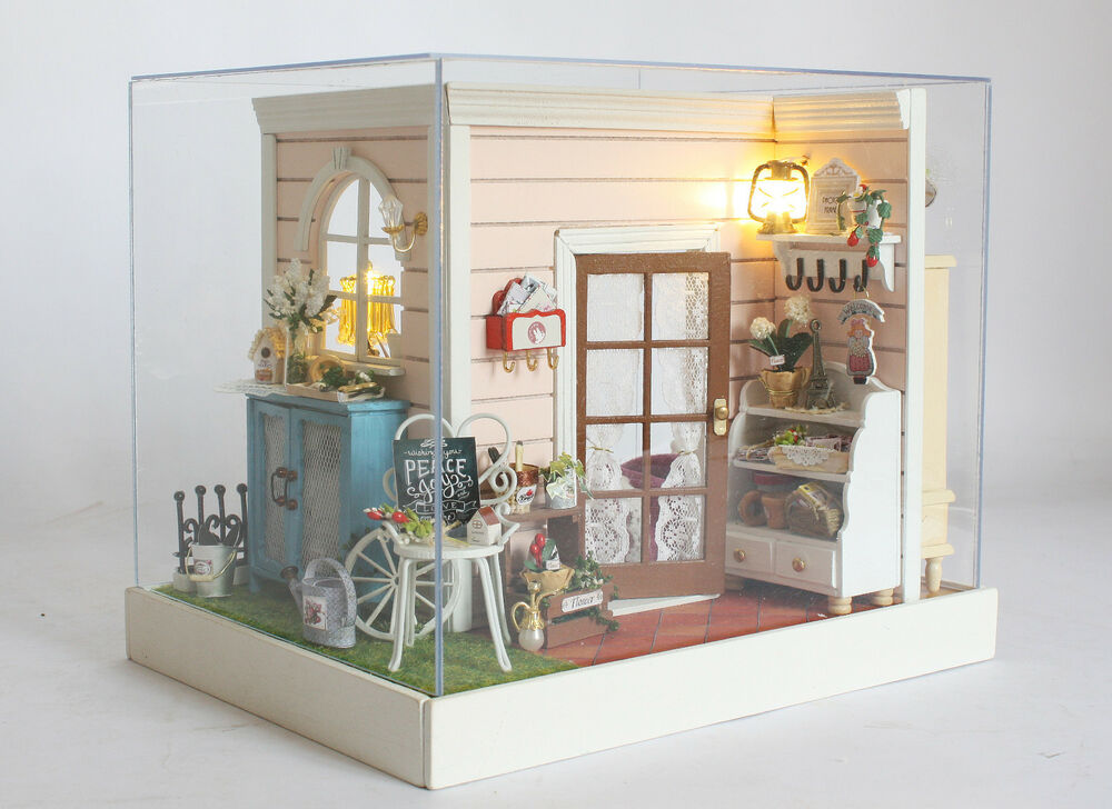 My Daughters Box Room Right Side: DOLLHOUSE MINIATURE KIT–2 SIDE ROOM BOX W/Light & MUSIC, Z