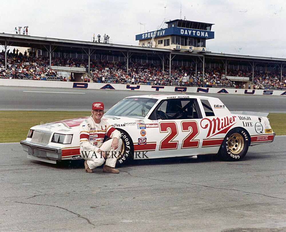 Rusty Wallace Ford >> BOBBY ALLISON 1983 # 22 BUICK REGAL DAYTONA NASCAR RACING 8X10 PHOTO | eBay