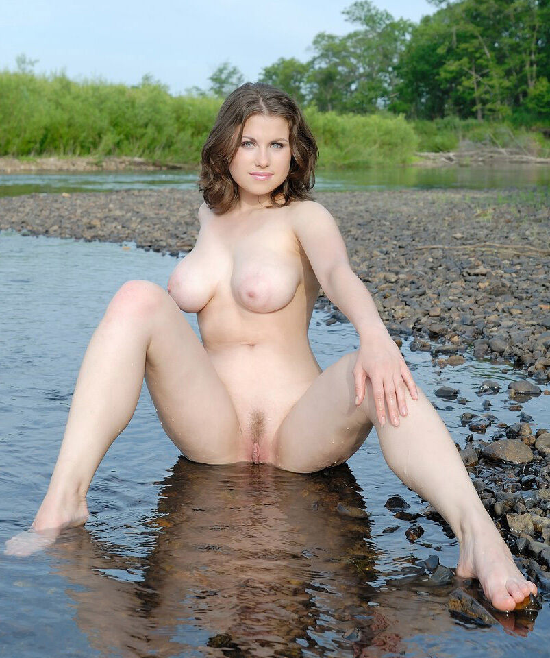 naked girl in water gifs
