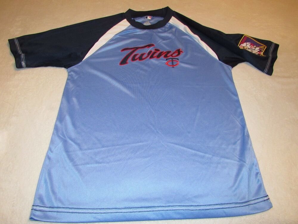 1afcb744bc5 VINTAGE MINNESOTA TWINS BASEBALL JERSEY SIZE MEDIUM GREAT SHAPE