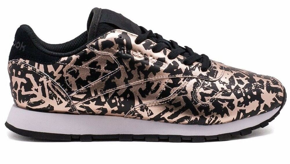 9901d18b936  BD4604  Womens Reebok Classic Leather HIJACKED Heritage - Rose Gold Black
