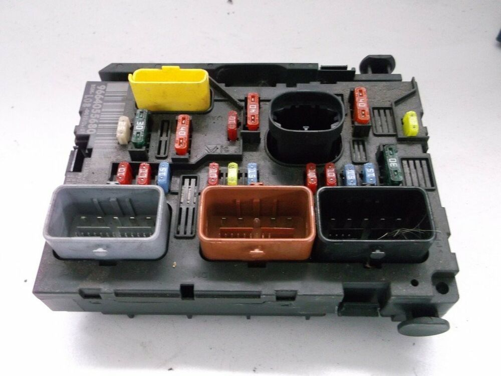 peugeot c4 picasso bsm l08 9664055680 boiter fusibles fuse box dry stored ebay. Black Bedroom Furniture Sets. Home Design Ideas