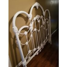 white iron Antique full size bed