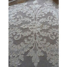 French Alencon Lace Tablecloth Victorian Plumes 71