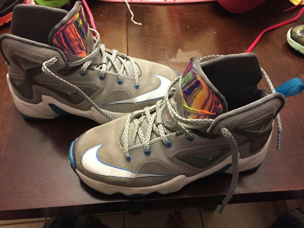 a0abcd577ce NIKE LEBRON JAMES SCUFFED XIII Akronite Philosophy Basketball High Top Sz  4.5Y