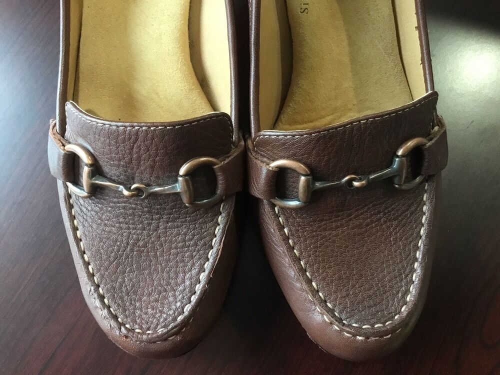 aa83be76047f Softspots 9.5 Wide Women s Shoes Brown 3 Inch Heels