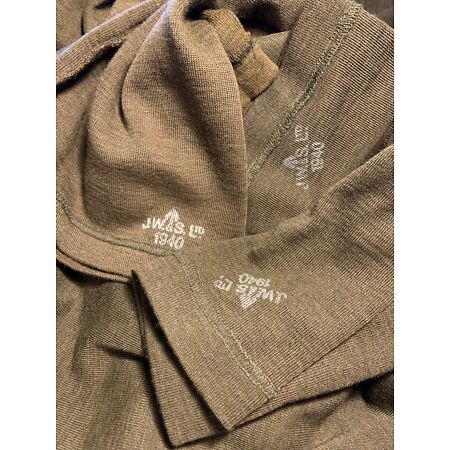 img-Fantastic WW2 British 1940 dated Jeep scarf in near mint unissued condition!