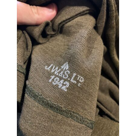 img-Fantastic WW2 British 1942 dated Jeep scarf in near mint unissued condition!
