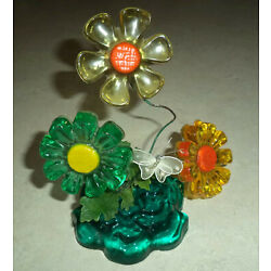 Kyпить Vintage 1969 MCM New Design Flowers Small Lucite Little Daisy Patch Made in USA на еВаy.соm