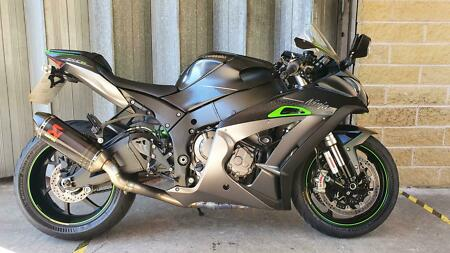 Kawasaki ZX-10R SE CJF, 2018, 11,997 Miles, Immaculate Condition, 3 Owners
