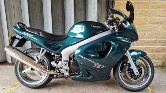 Triumph Sprint ST 955, 2001, 12,721 Miles, Beautiful Condition, 1 Owner