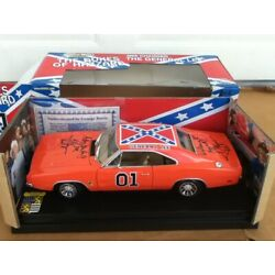 8 SIGN AUTOGRAPH 1:18 Dukes Hazzard GEORGE BARRIS General Lee 1969 Dodge Charger