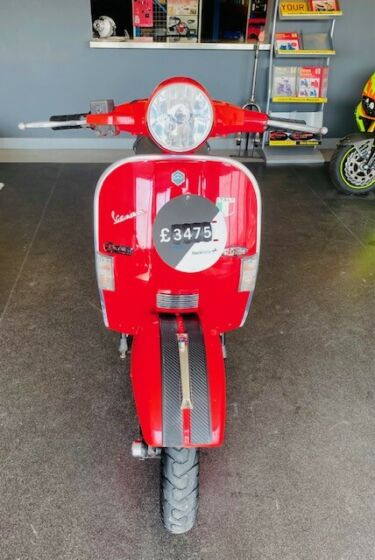 VESPA PX 125, ROSSO RED 2002 * reduced * end of season offer!