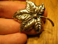 CIRCA 1950'S STERLING SILVER PIN HOLIDAY FINE DETAILS