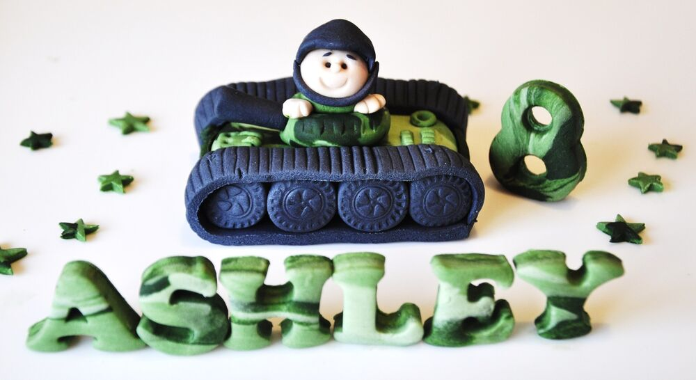 Handmade edible boy army tank birthday cake topper for Army cake decoration