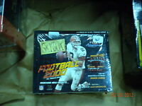 2000 SKYBOX FOOTBALL FACTORY SEALED BOX  !! 8