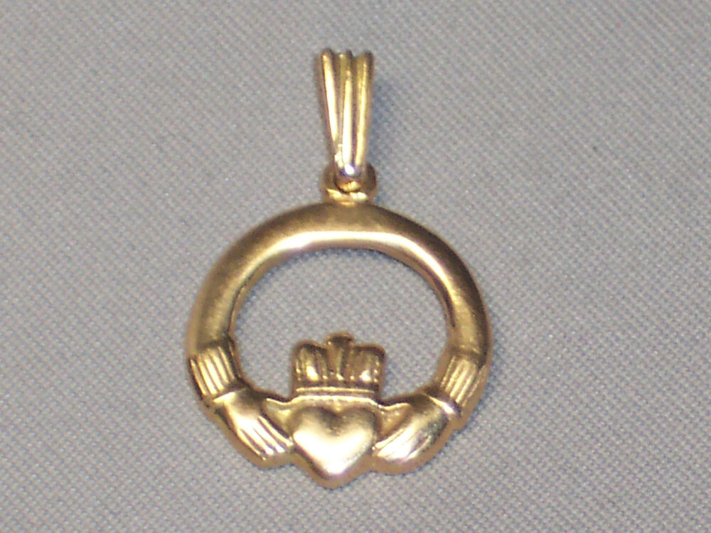 Vintage 14k Yellow Gold Claddagh Charm Or Pendant With