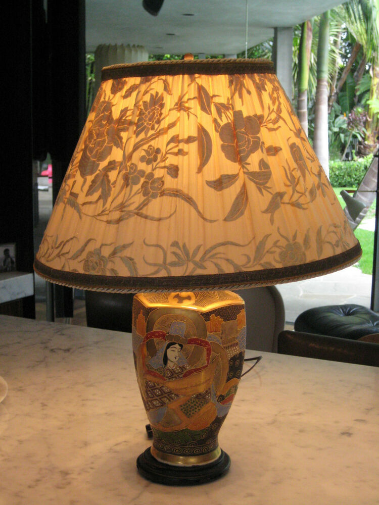 Antique Japanese Satsuma Figural Meiji Vase Table Lamp
