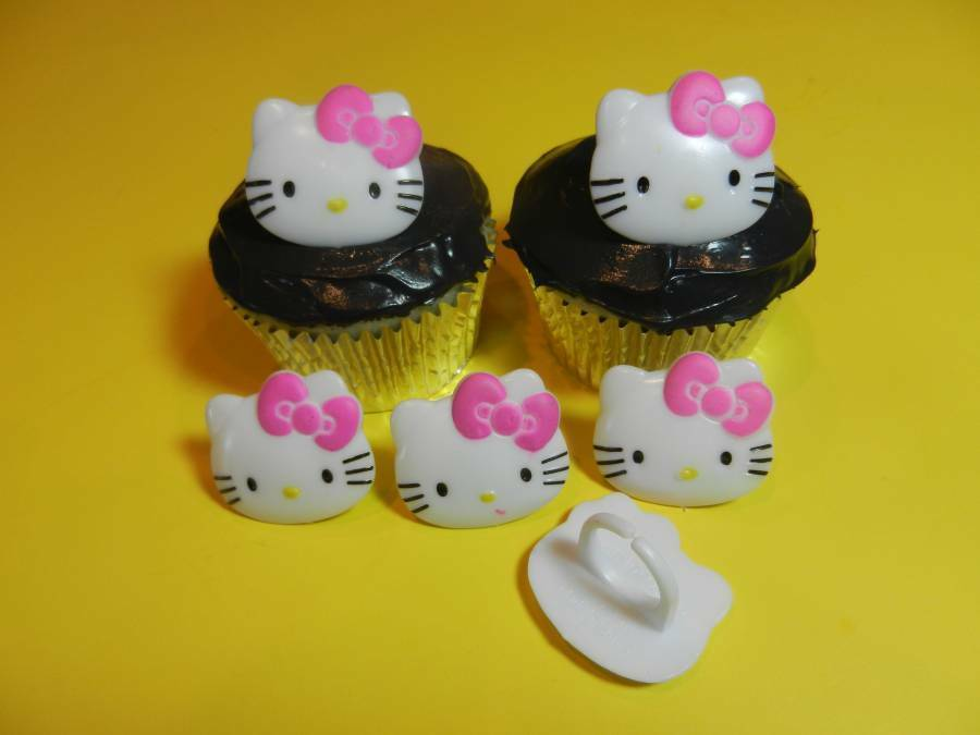 Deco Cupcake Hello Kitty : 12 Hello Kitty Rings Cupcake Toppers Cake Decorations ...