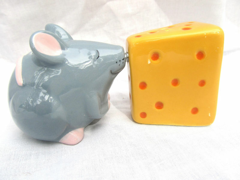 Mouse And Cheese Ceramic Salt Pepper Shakers Ebay