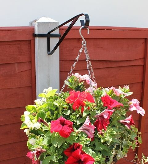 Fence Plant Hangers: Hanging Basket Brackets For Concrete Posts EasyFill
