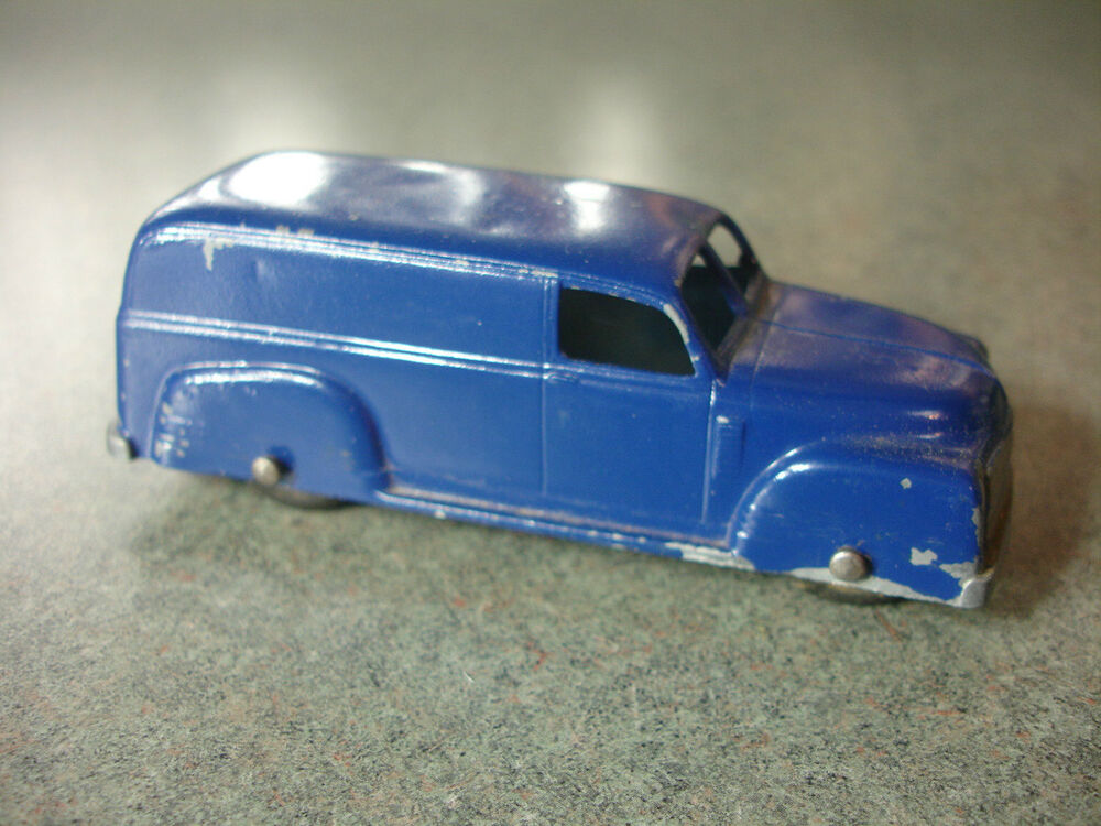 old vtg antique collectible diecast tootsietoy blue toy car made in usa ebay. Black Bedroom Furniture Sets. Home Design Ideas