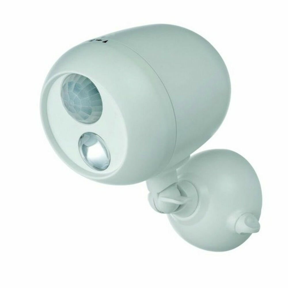 motion sensored battery operated white security light 330
