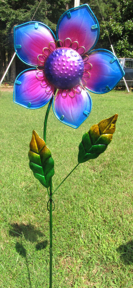 Flower yard stake purple glass metal lawn garden decor ebay for Lawn and garden ornaments