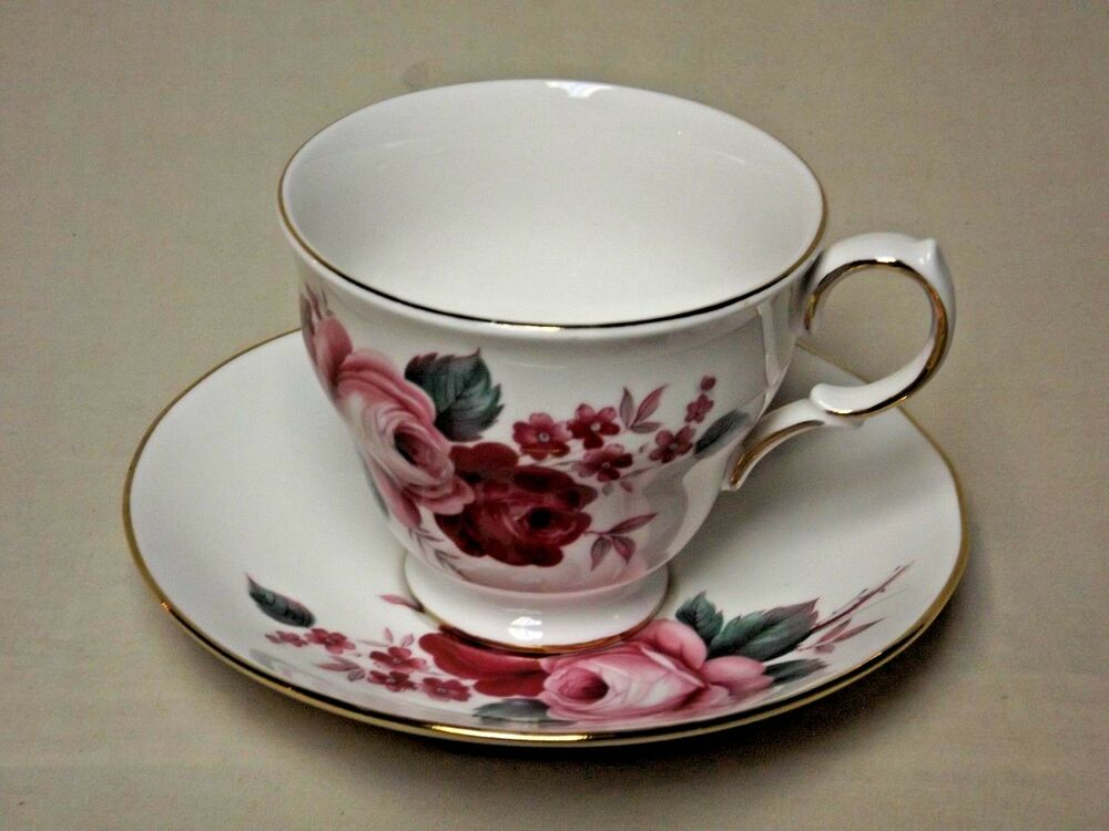 queen anne bone china footed tea cup and saucer made in england f 57 4 ebay. Black Bedroom Furniture Sets. Home Design Ideas