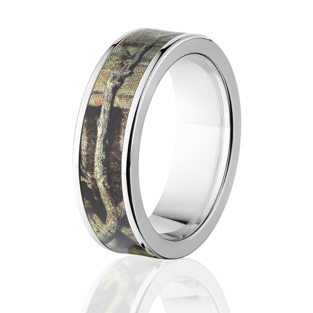 Camo rings mens camo wedding bands licensed mossy oak for Camo mens wedding rings