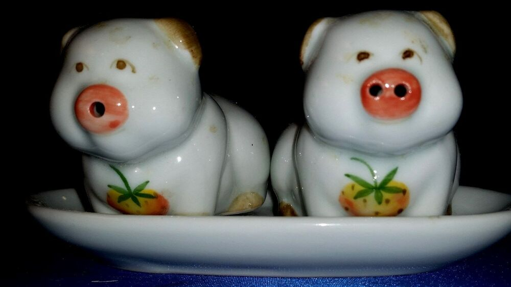 Two Cute Pig Salt And Pepper Shakers With Tray Ebay