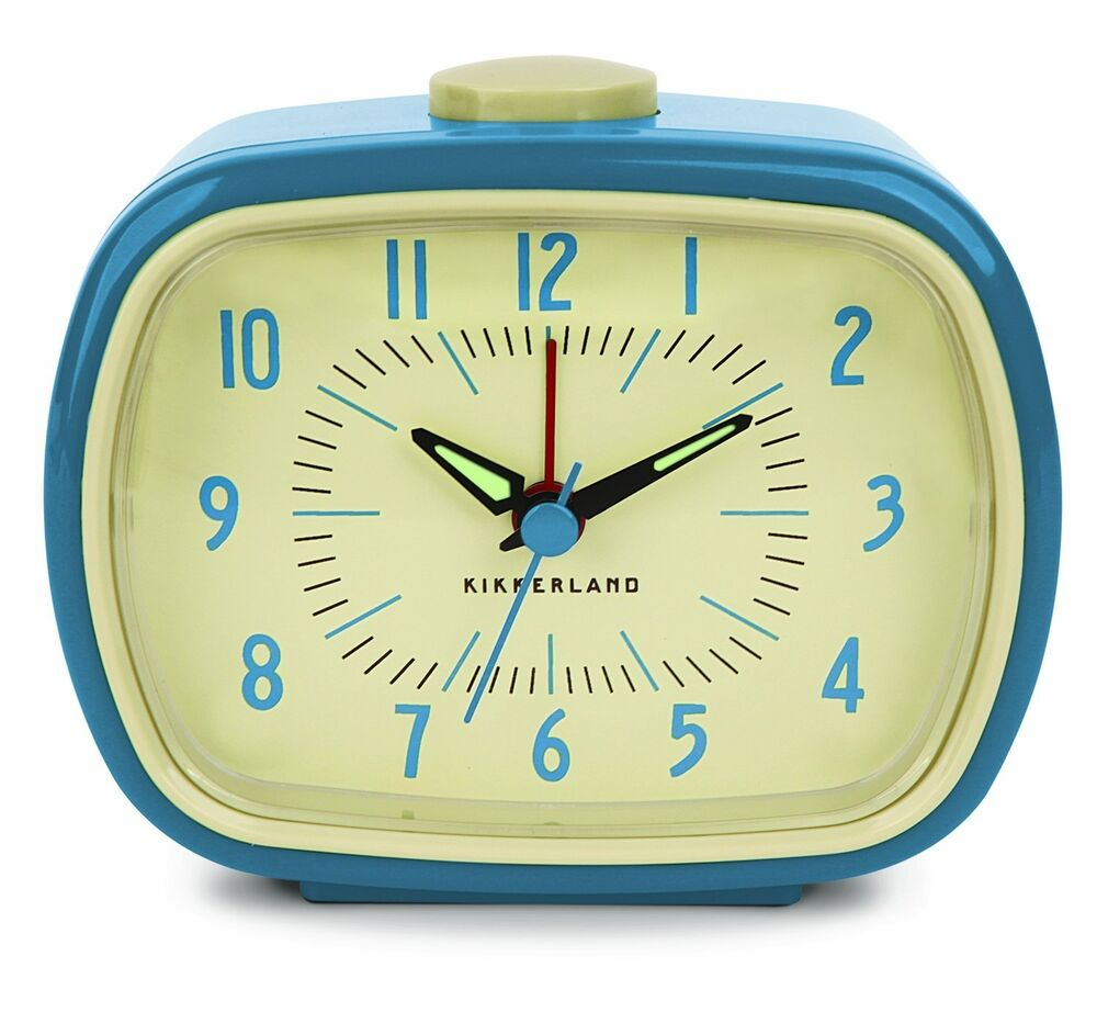 Retro alarm clock for bedside table blue battery operated for Alarm clocks that work