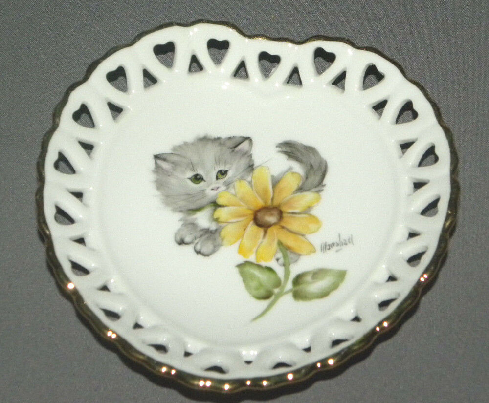Vintage decorative cat plate heart shaped with grey kitty for Decor plates