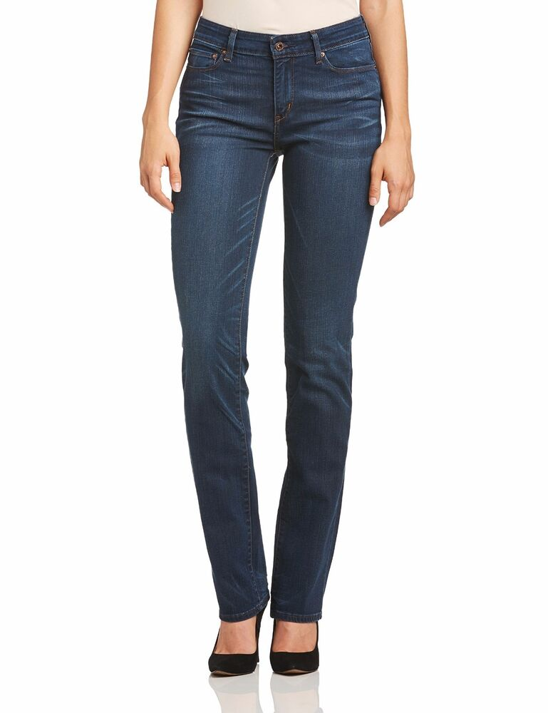 TOM FORD Men's Straight-Fit Stretch-Denim Jeans Details TOM FORD jeans in black-wash stretch-denim. Straight-fit style with slightly contoured thigh and minimal tapered leg; classic rise. Five-pocket style with