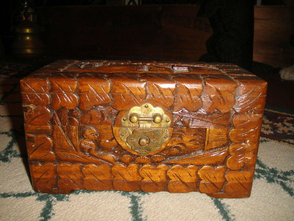 Vintage chinese japanese wood carved trinket box small for Wood in chinese